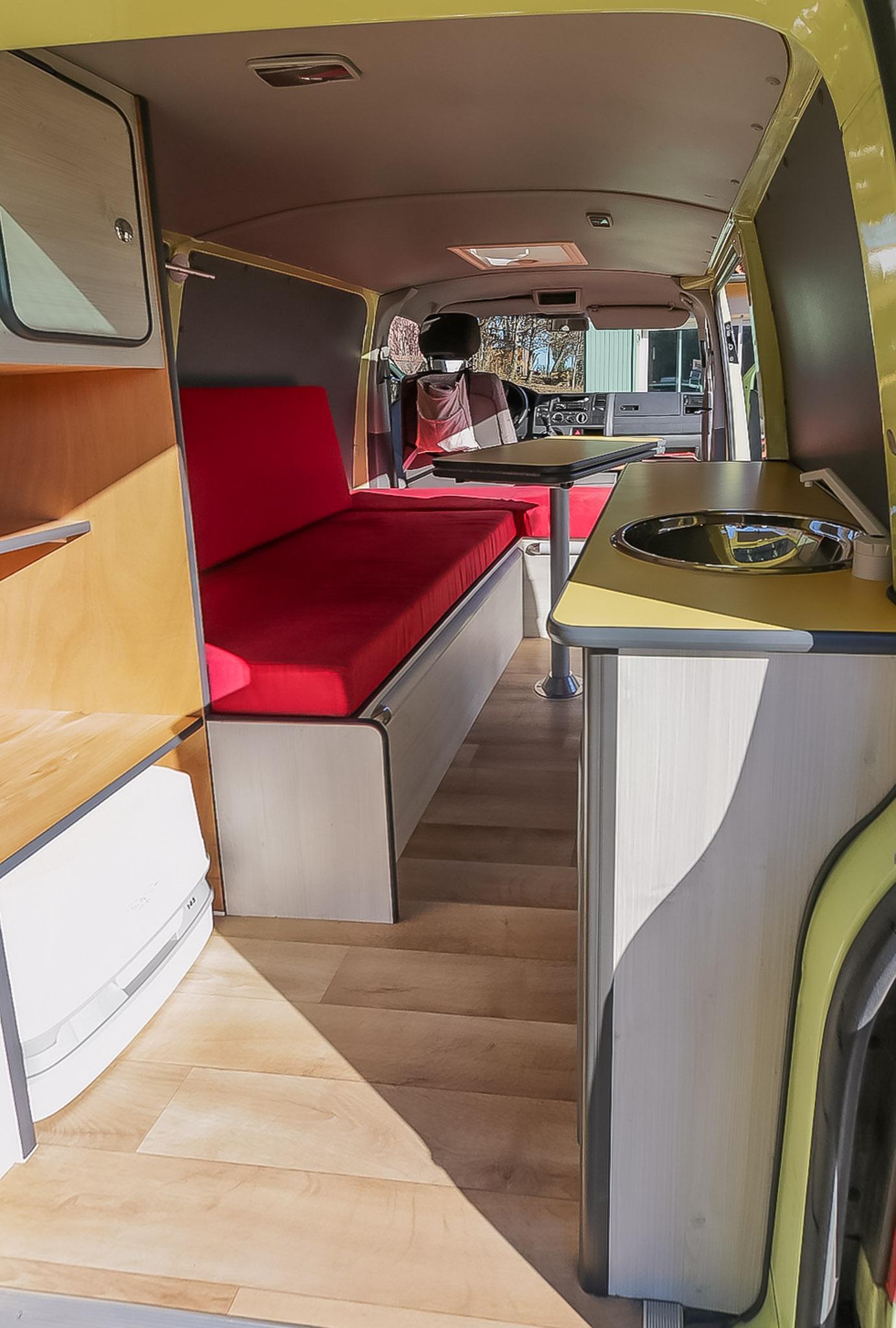 kits d 39 am nagement fourgon camping car smartcombee. Black Bedroom Furniture Sets. Home Design Ideas